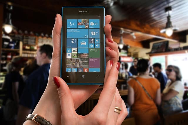 Smartphone screen with apps
